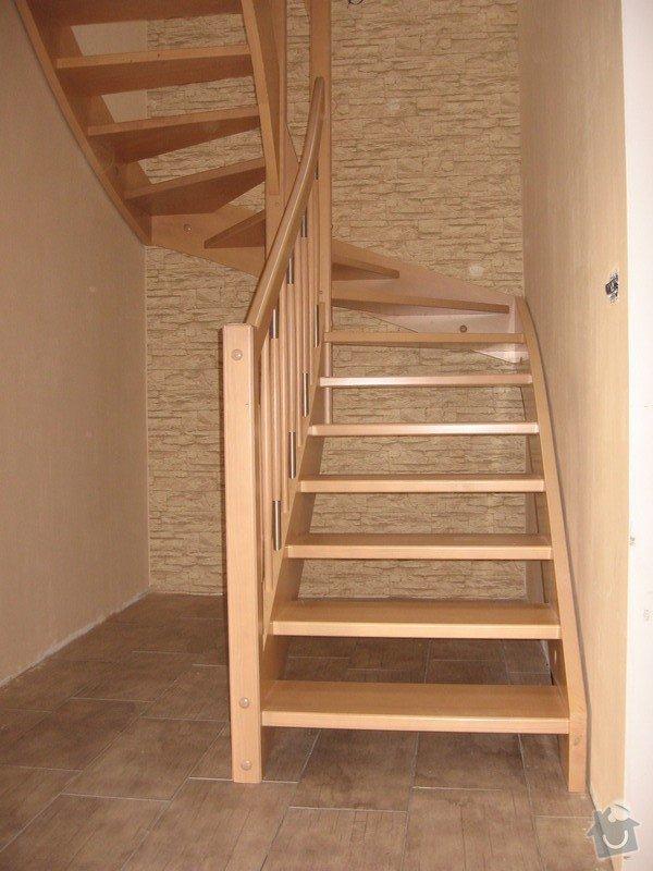 Dřevěné samonosné schodiště: drevene-samonosne-schodiste_Adamovic_4_