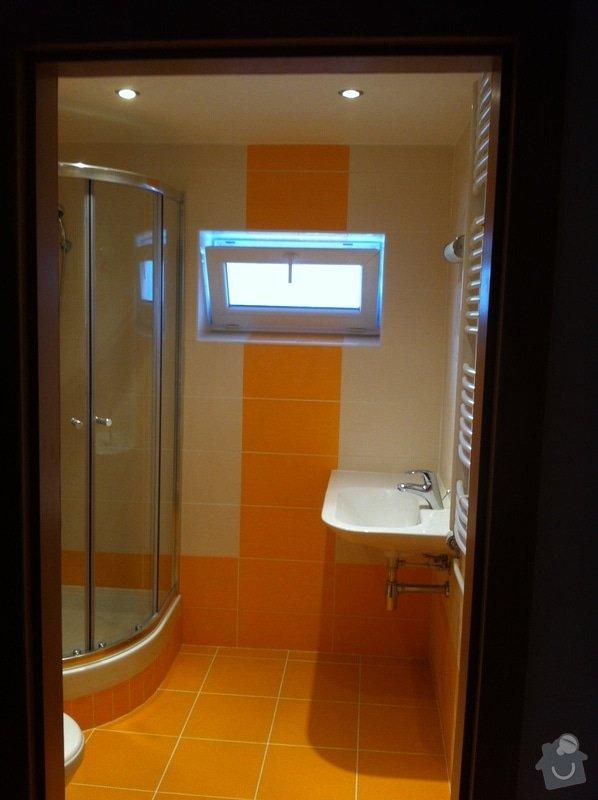 Rekonstrukce koupelny, změna dispozice v koupelně, pokládka podlah, malba bytu, dodání a montáž obložkových zárubní a dveří: Ber2