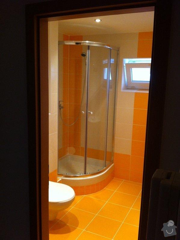 Rekonstrukce koupelny, změna dispozice v koupelně, pokládka podlah, malba bytu, dodání a montáž obložkových zárubní a dveří: ber3