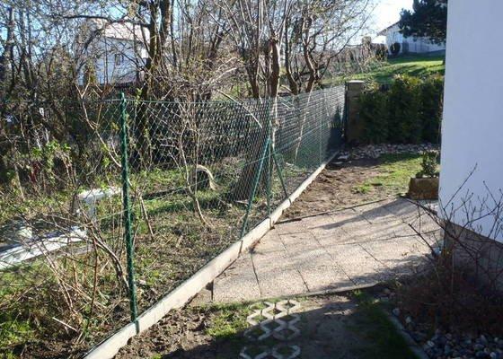 Stavba zahradní chatky