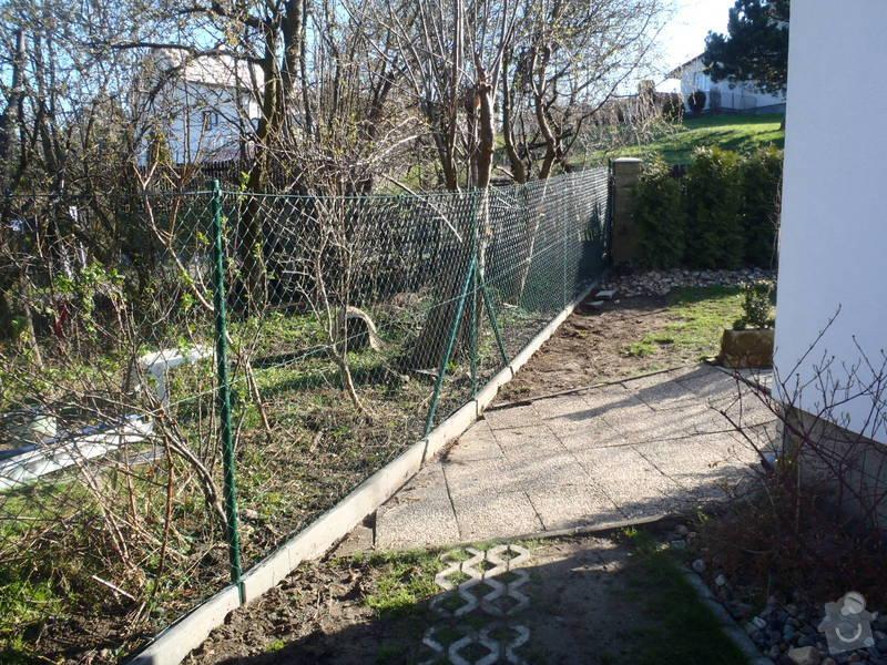 Stavba zahradní chatky: P4170439