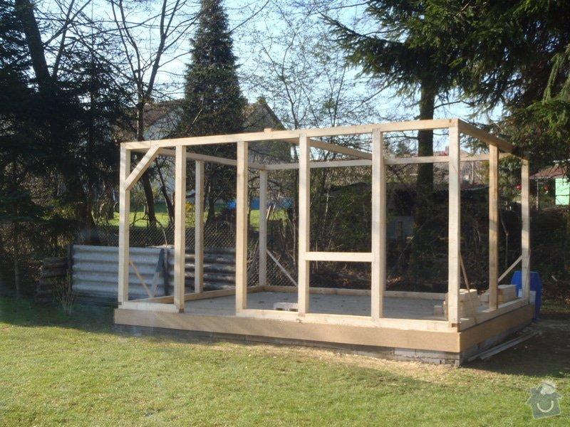 Stavba zahradní chatky: P4170444