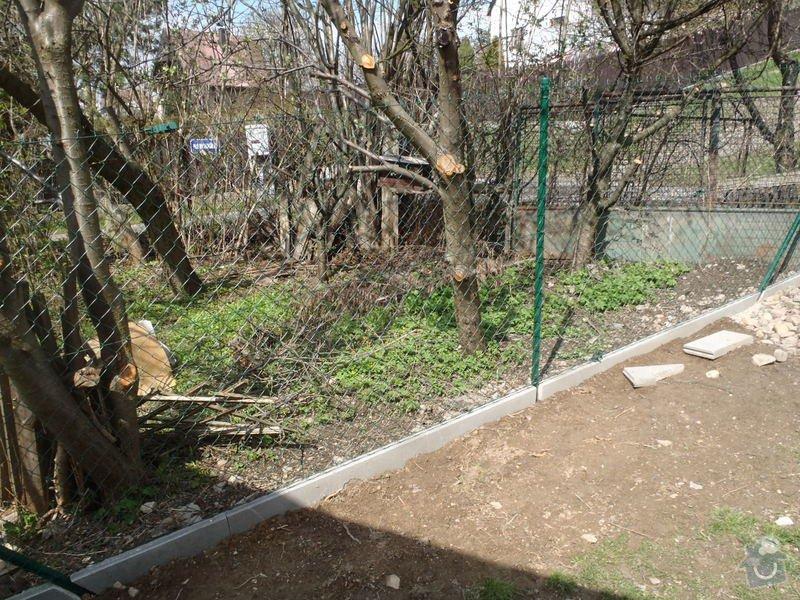 Stavba zahradní chatky: P4170459