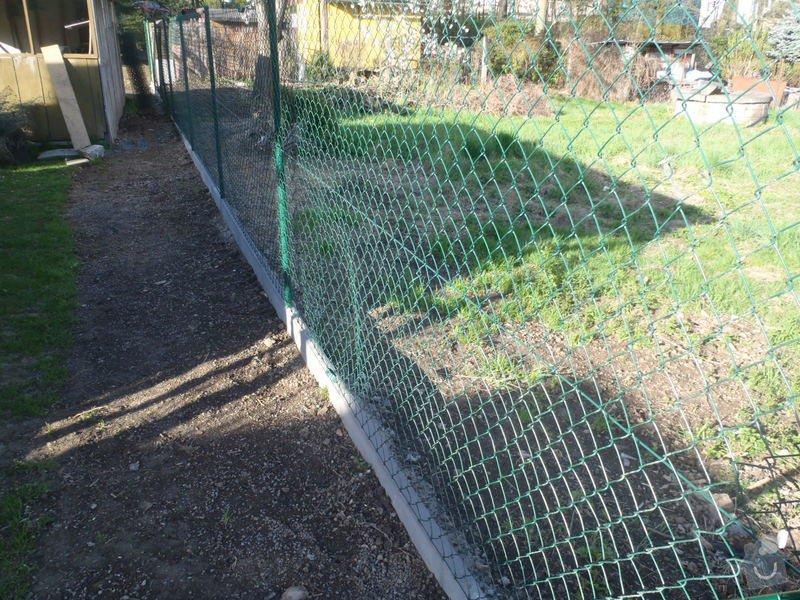 Stavba zahradní chatky: P4260556