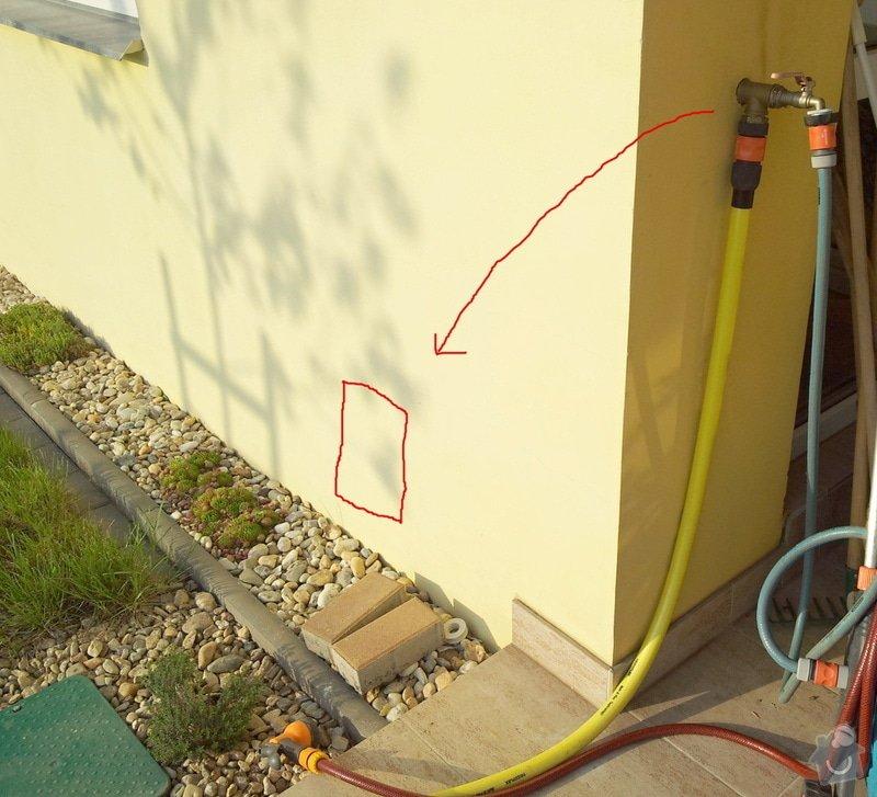 Příprava na instalaci podružného vodoměru na fasádě domu: 20120502_182625