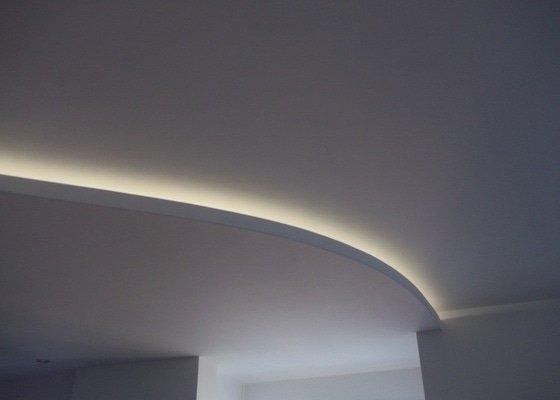 Snížené podhledy a montáž bodového osvětlení
