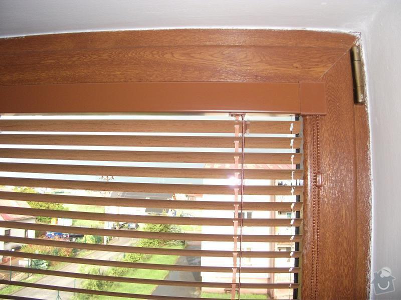 Okenní interiér.žaluzie (2x cca 670x1250 mm): DSCF4447a