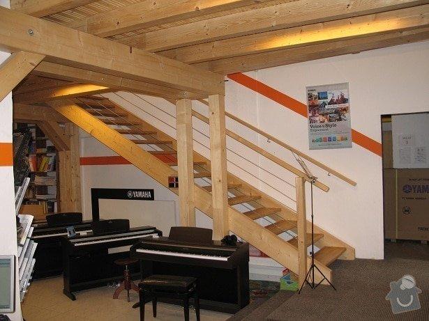 Stavba patra v Hudebním domě: 2