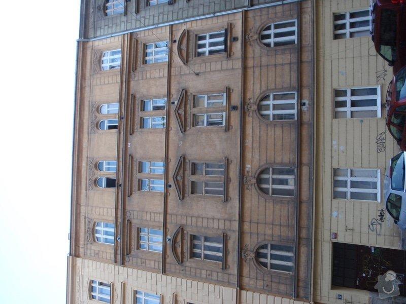 Oprava fasády historického domu: P5080137