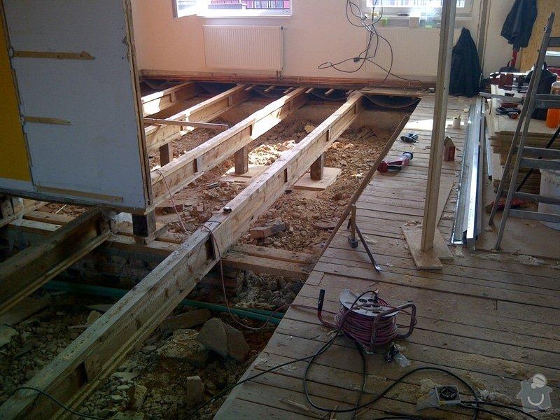 Rekonstrukce bytu, výroba kuchyňské linky: IMG-20120322-00188