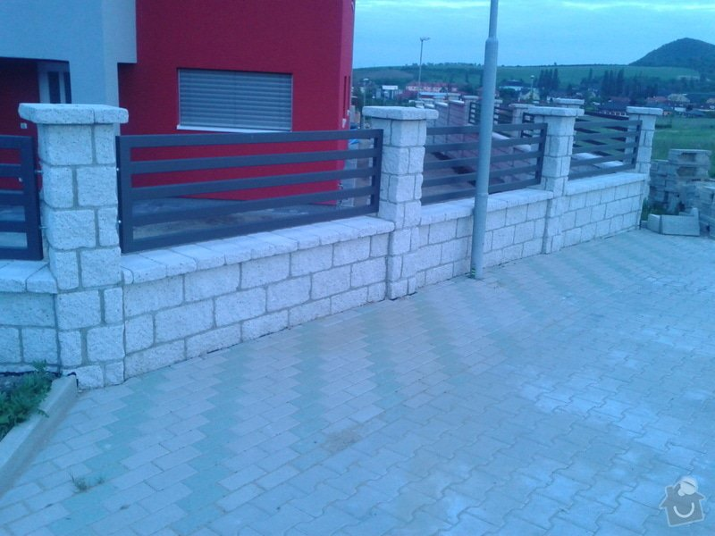 Výstavba plotu: Fotografie-0017
