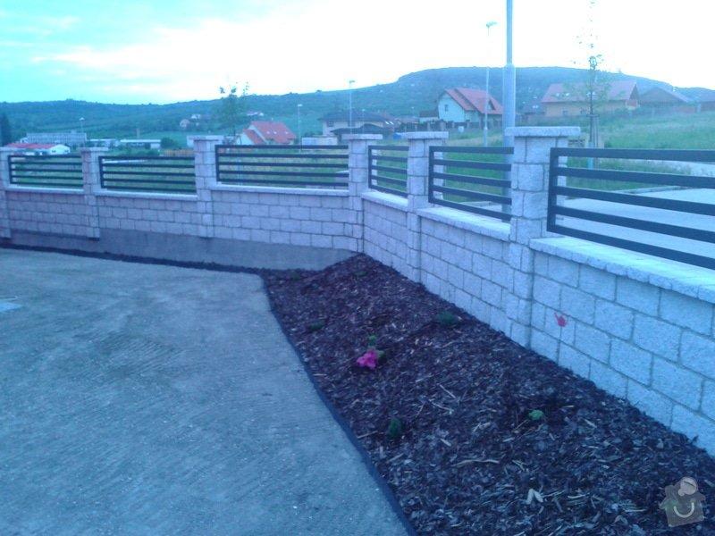 Výstavba plotu: Fotografie-0019