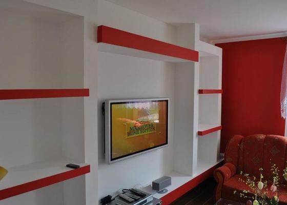 TV sádrokartonová stěna