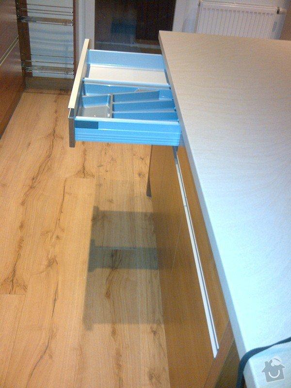 Rekonstrukce bytu, výroba kuchyňské linky: IMG-20120512-01228