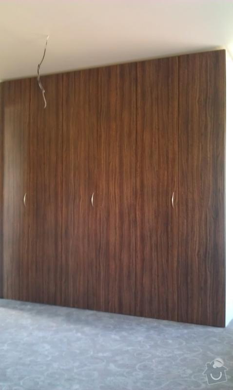 Vestavěné skříně do podkroví: IMAG0483_478x800