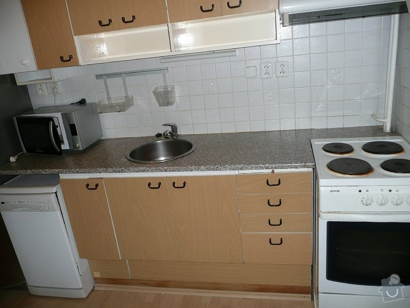 Dodávka a montáž kuchyňské pracovní desky a baterie, oprava protékajícího WC: Kuchyne_Mecislavova_3