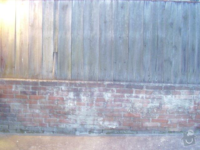 Opěrnou zeď: pohled_stena_ze_zahrady_souseda