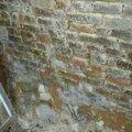 Opernou zed pohled stena u podlahy