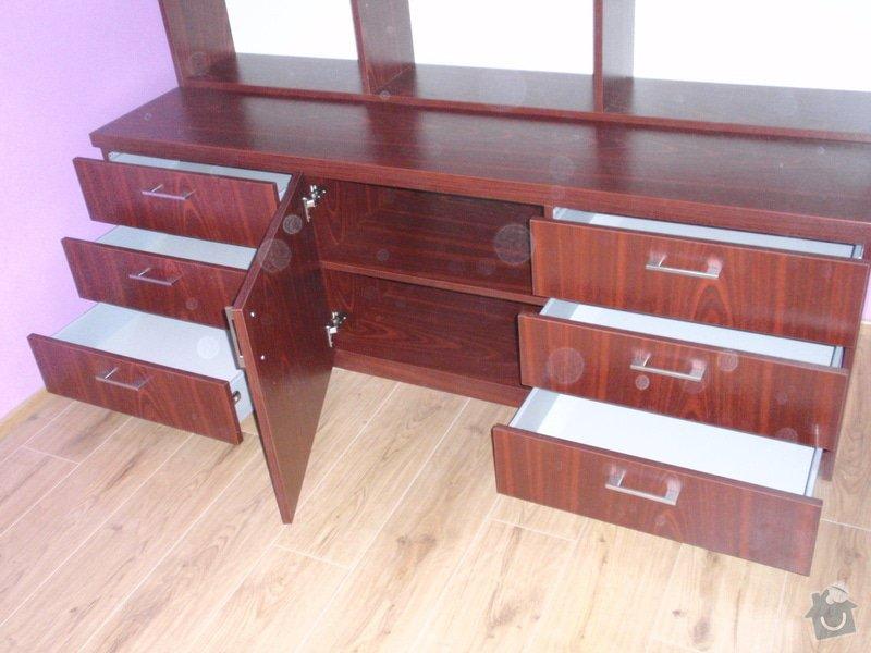 Malování, pokládka plovoucí podlahy, výroba nábytku: P5212299