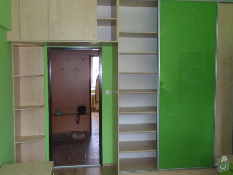 Malování, pokládka plovoucí podlahy, výroba nábytku: P5212306
