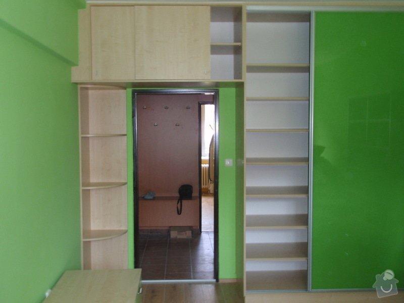 Malování, pokládka plovoucí podlahy, výroba nábytku: P5212308