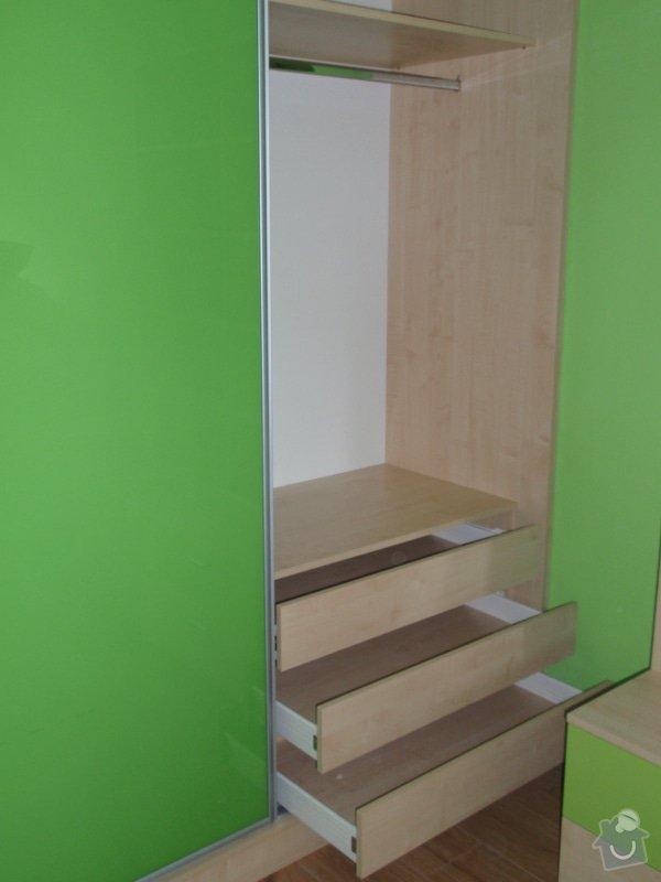 Malování, pokládka plovoucí podlahy, výroba nábytku: P5212309