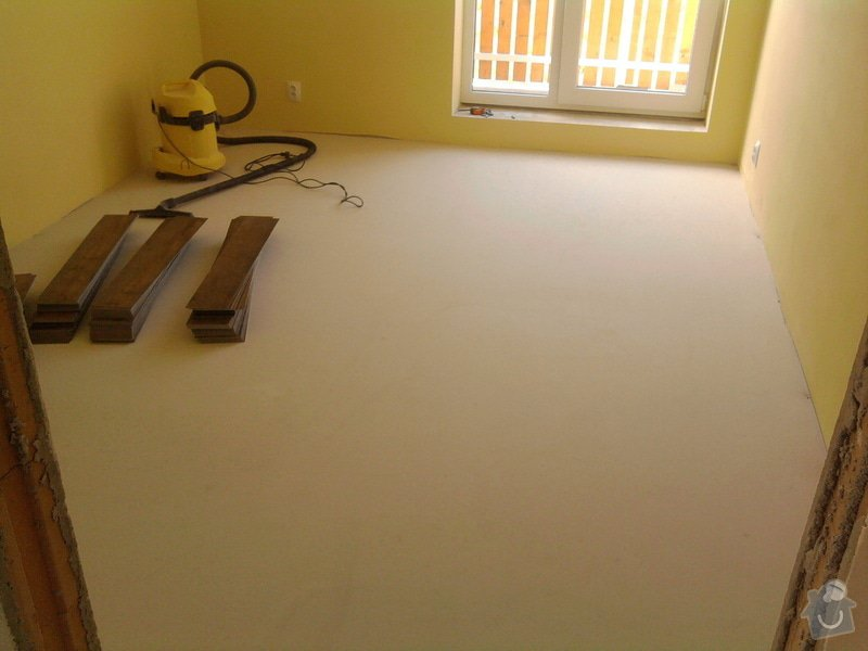 Vyrovnání podlahy, pokládka vinylových dílců: 8