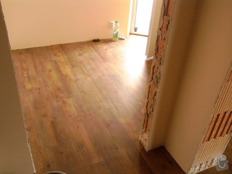 Vyrovnání podlahy, pokládka vinylových dílců: 16