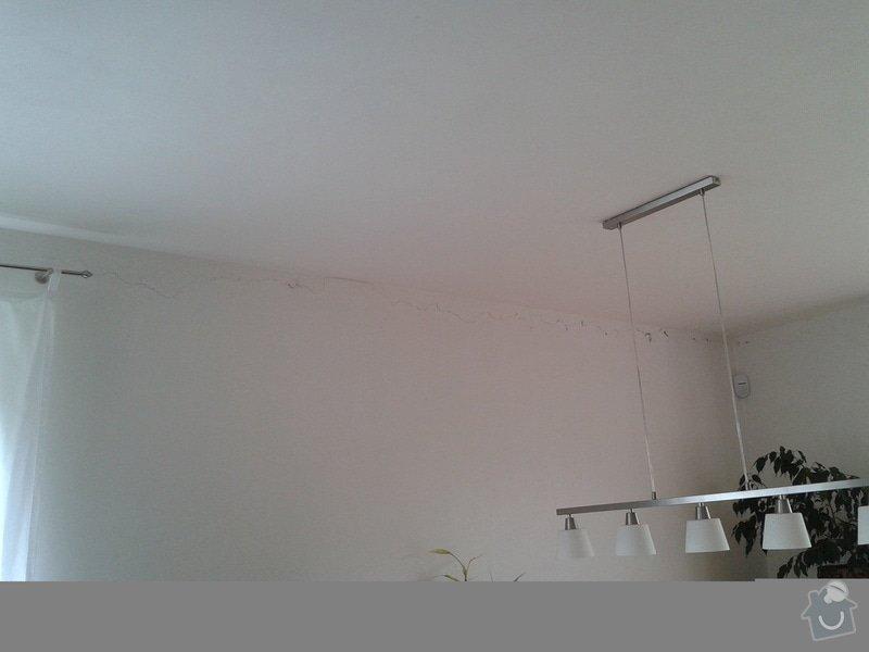 Oprava tesneni oken, oprava prasklin omitky: prasklina_v_obyvaku2