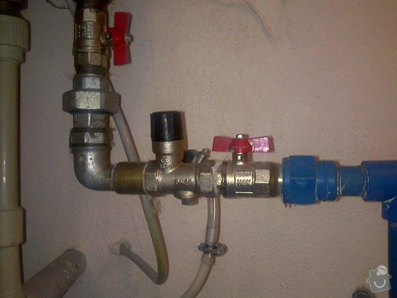Výměna přetlakového ventilu u bojleru v Dlouhé Lhotě u Mladé Boleslavi: 28052012118