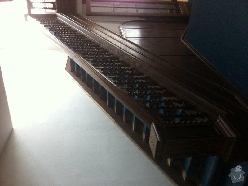 Renovace dřevěného schodiště: schodiste1