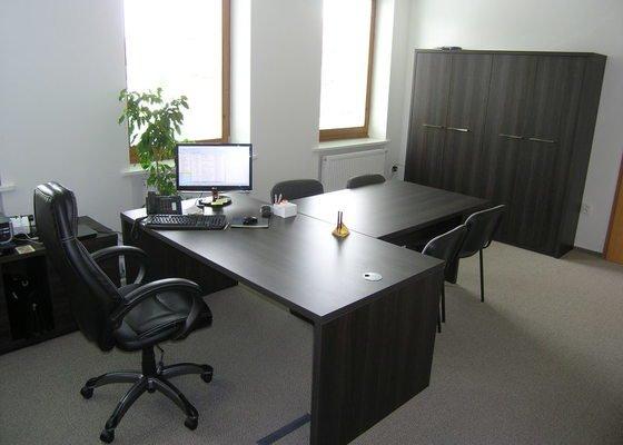 Výroba a montáž kancelářského nábytku
