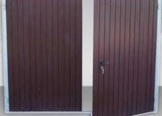 Garážová vrata v rámu