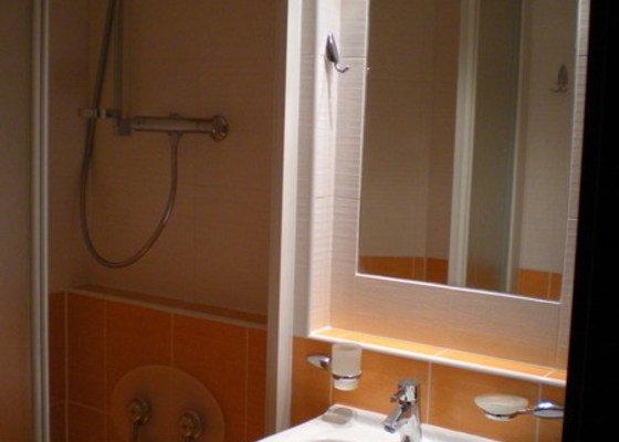 Kompletní přestavba koupelny ve starším rod.domě dle požadavku.
