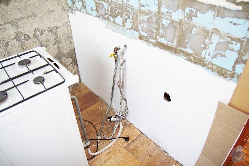 Instalace vany, pračky, baterie a obkladačské práce: kuchyne