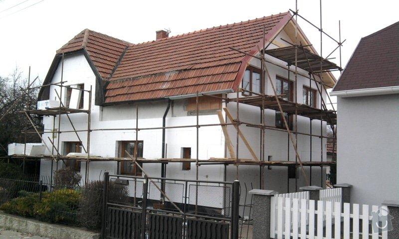 Zateplení fasády ,pokládka zámkové dlažby , rekonstrukce plotu a vjezdové brány.       : Fotografie0627