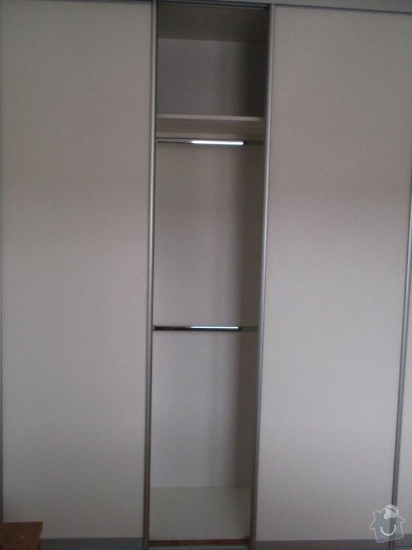 Výroba a montáž 3 ks vestavěných skříní: P5312331