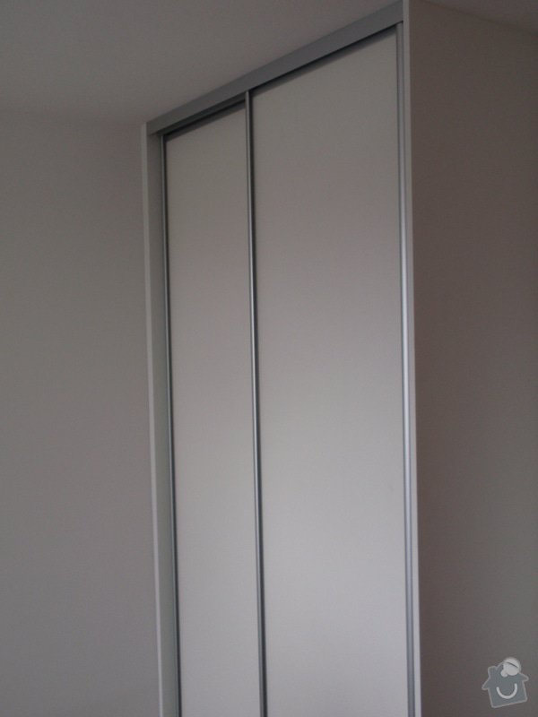 Výroba a montáž 3 ks vestavěných skříní: P5312332