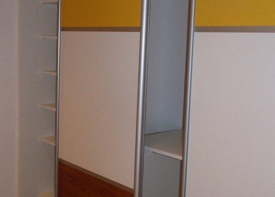 Výroba a montáž 3 ks vestavěných skříní
