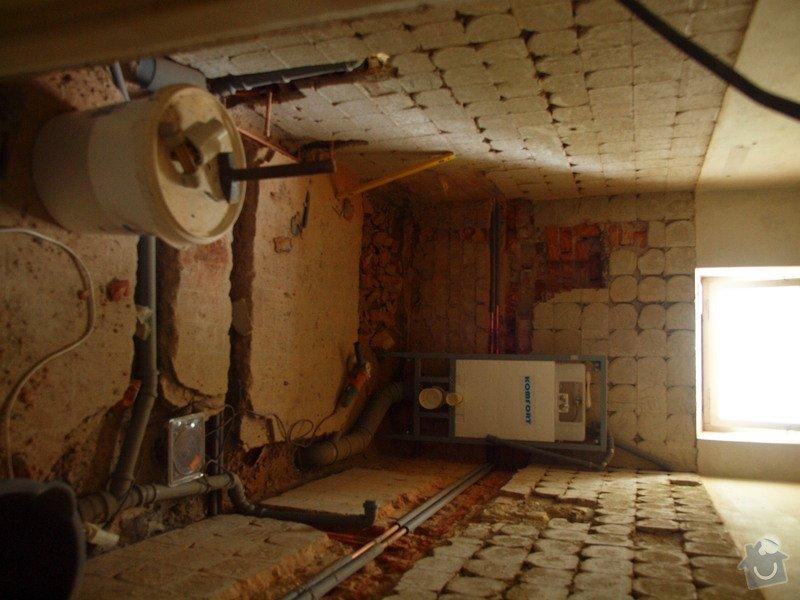 Obklady + dlažba v koupelně a obložení stěny za kuchyňskou linkou : O0144073