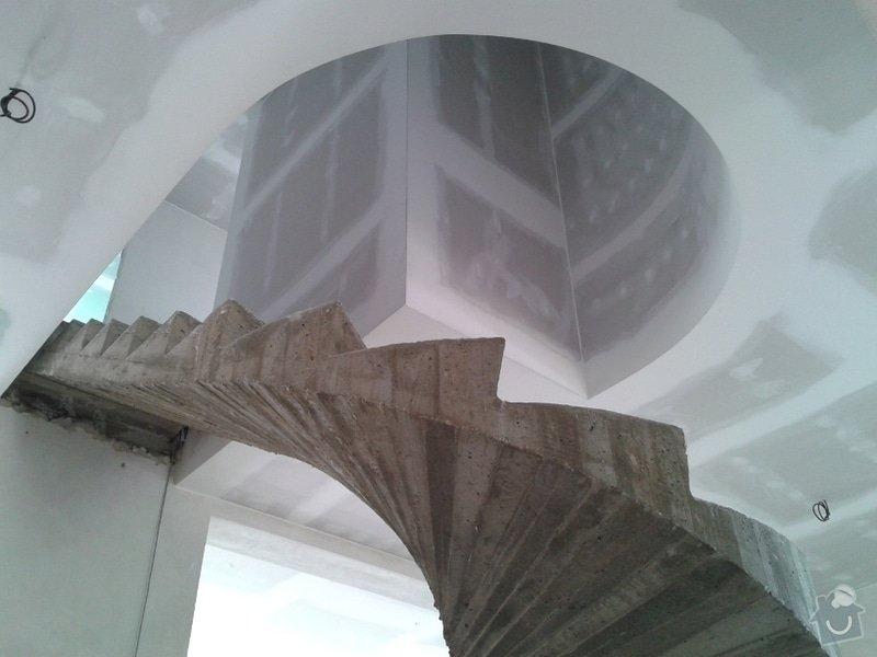Montáž sádrokartonových podhledů a ohýbané příčky: 2012-05-31_13.29.17.
