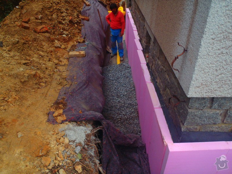 Drenáž podsklepeného domu, terénní úpravy: P5140783