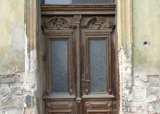 Restaurování dveří z roku 1905