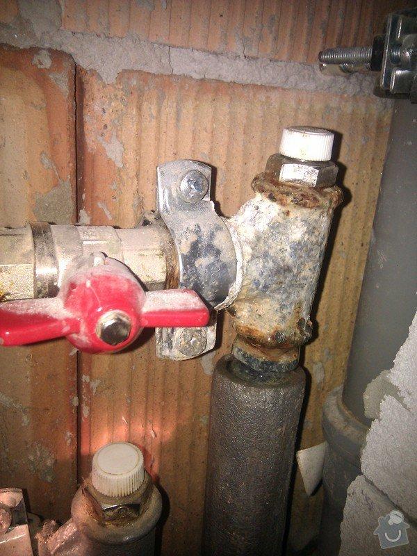 Oprava prosakující vody z topení: IMG_20120616_110612