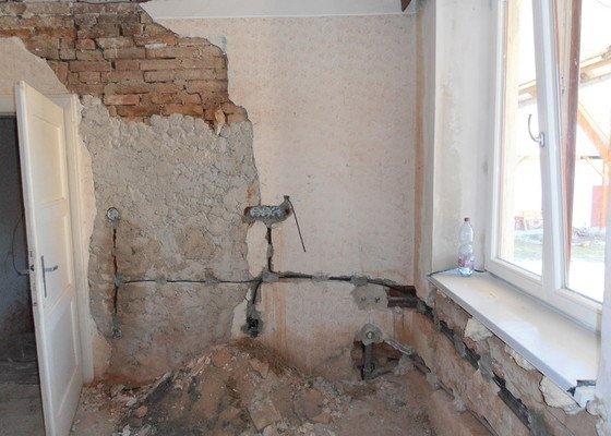 Obložení koupelny (kachle+dlažba), dlažba do předsíně