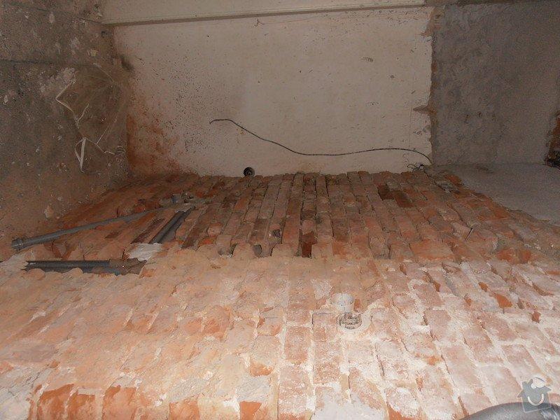 Obložení koupelny (kachle+dlažba), dlažba do předsíně: P3250367
