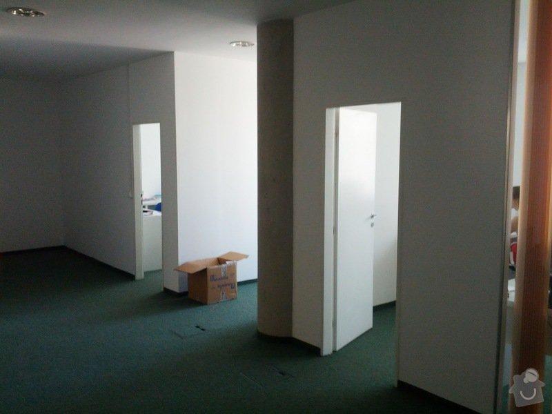 Přestavba kanceláře - demolice 2 příček, stavba příčky z plexi / skla: IMG_20120622_160631