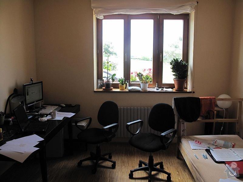 Nábytek do pracovny, v laminu.  Jedná se o skříně, stůl, police.: IMG_0245