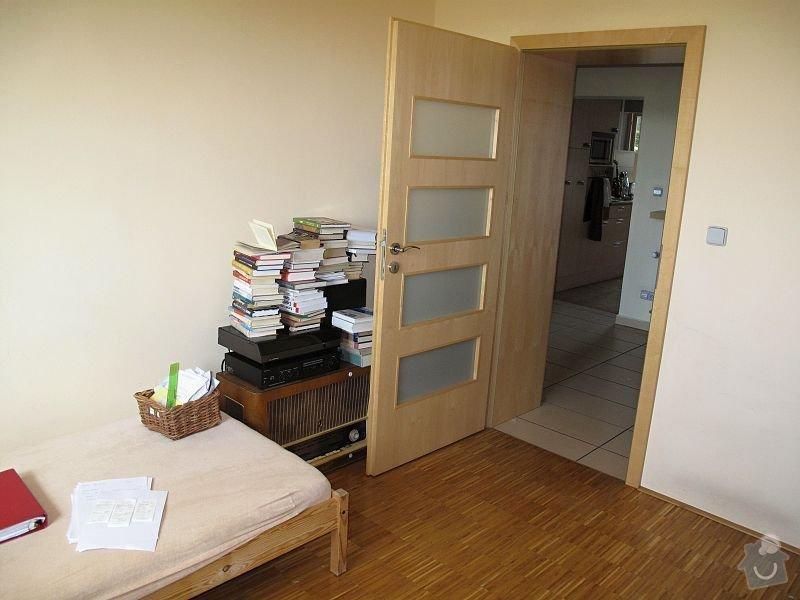 Nábytek do pracovny, v laminu.  Jedná se o skříně, stůl, police.: IMG_0246