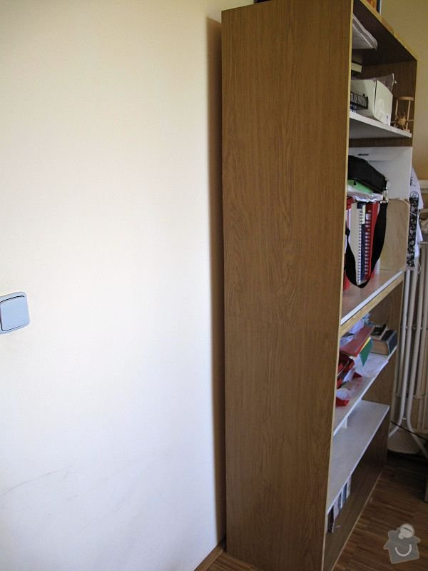 Nábytek do pracovny, v laminu.  Jedná se o skříně, stůl, police.: STA_0247